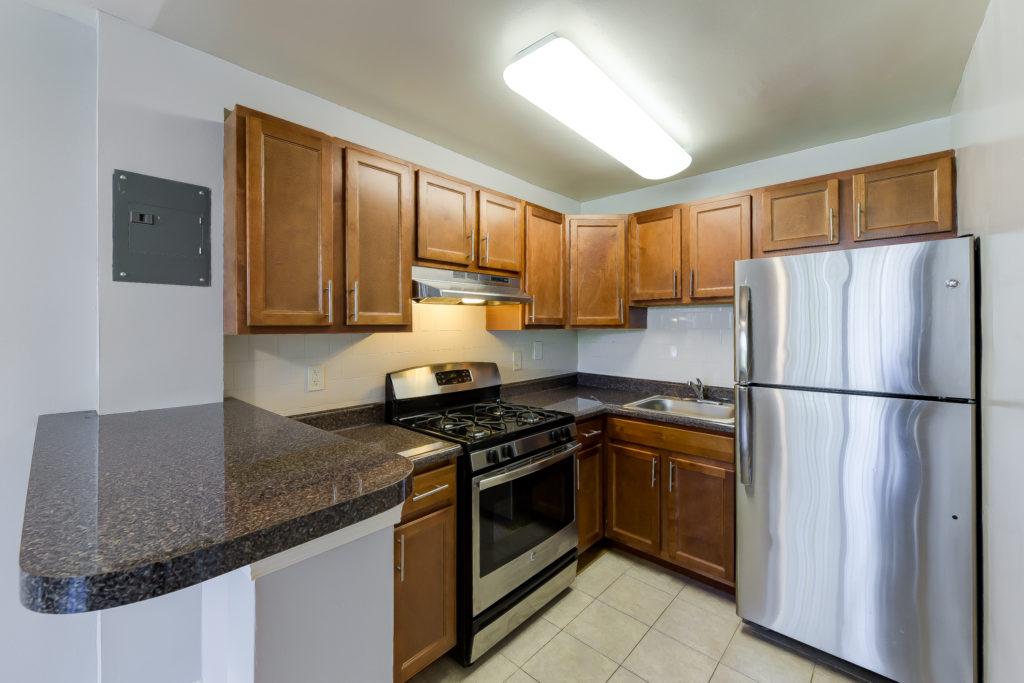 Hilltop-House-kitchen