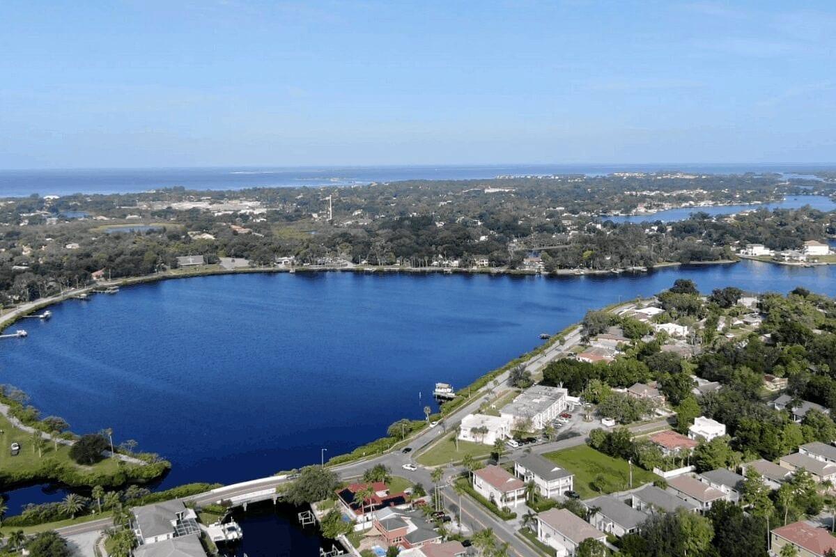 Tarpon Springs, FL, one of the cities near tampa